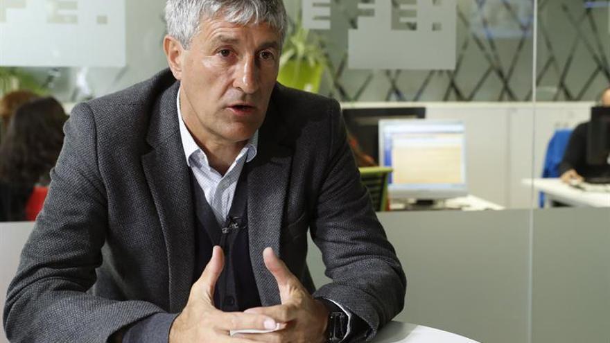 El técnico de la UD Las Palmas, Quique Setién, durante una entrevista. EFE/Ángel Díaz