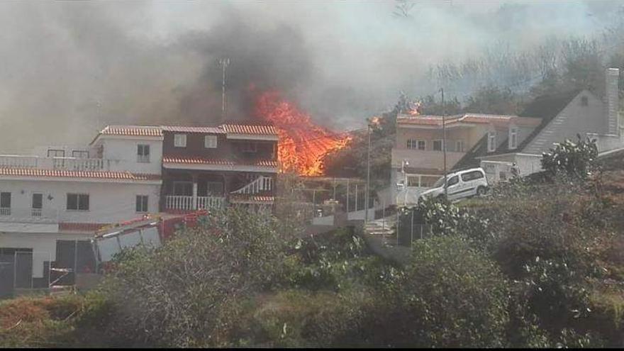 Incendio en Santa Úrsula, en el norte de Tenerife