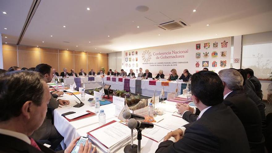 Los gobernadores de México prometen respaldo a López Obrador