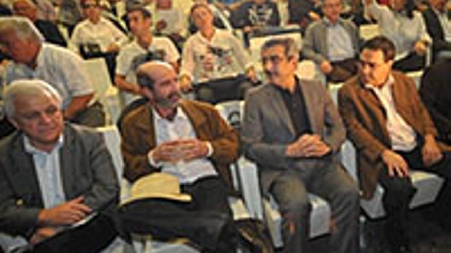 Santiago Pérez estaba allí.