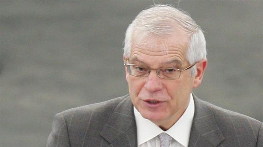 Josep Borrell apuesta por una abstención mínima en la investidura de Rajoy