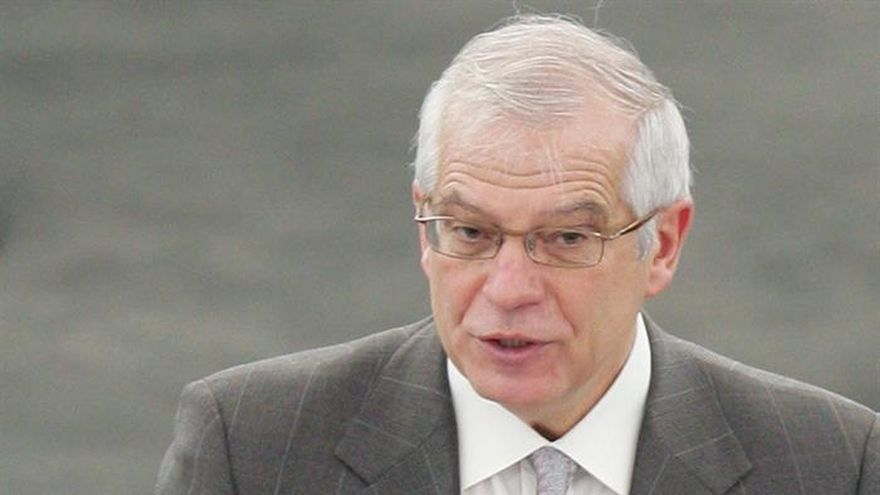 Josep-Borrell-abstencion-investidura-Rajoy_EDIIMA20161025_0159_19.jpg