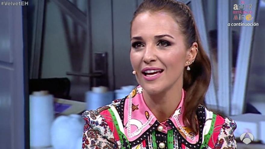 Paula Echevarría desvela cómo es la reaparición de Miguel Ángel Silvestre en 'Velvet'
