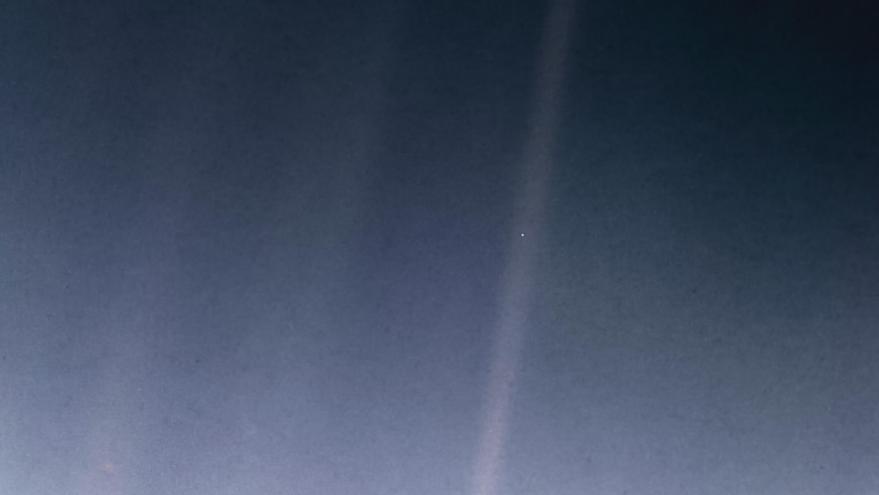 'A Pale Blue Dot', imagen tomada por el Voyager I el 14 de febrero de 1990.