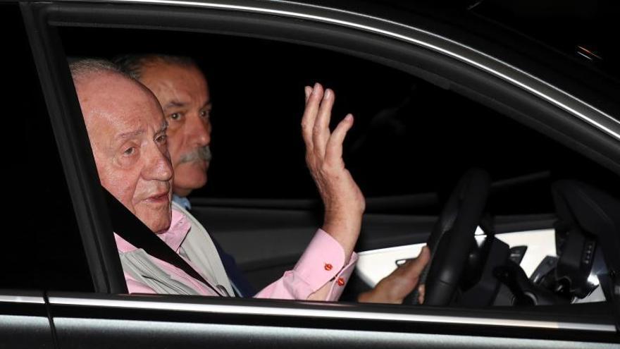 El rey Juan Carlos recibe el alta y saldrá del hospital esta mañana