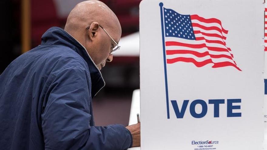 Inmigrantes en Nueva York celebrarán fiestas durante la noche electoral