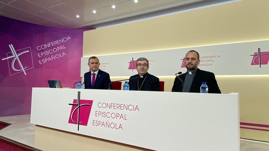 Los obispos en la rueda de prensa de la Conferencia Episcopal.