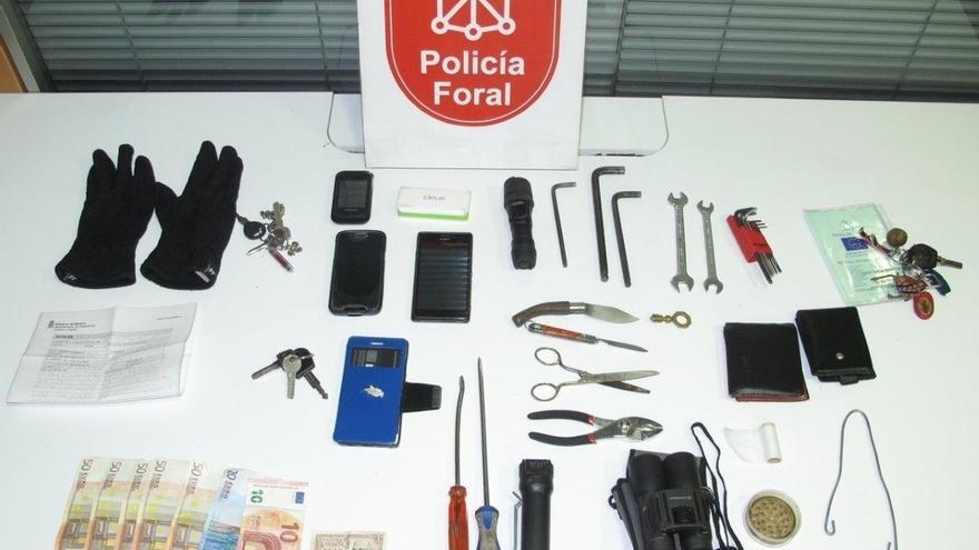 Tres detenidos por robos con fuerza en vehículos aparcados en zonas de Estella