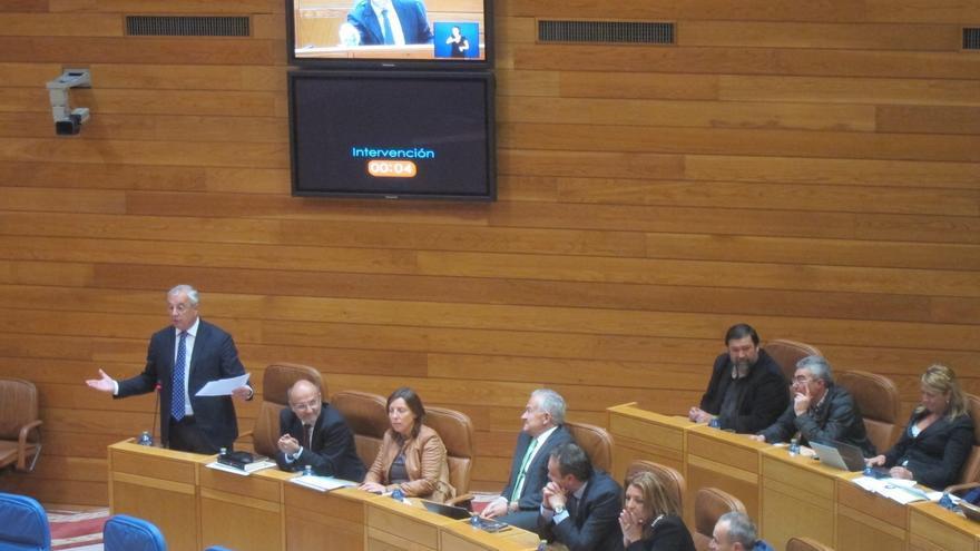 """Feijóo llama al """"diálogo"""" al PSdeG para reducir diputados y renovar instituciones """"pendientes"""""""