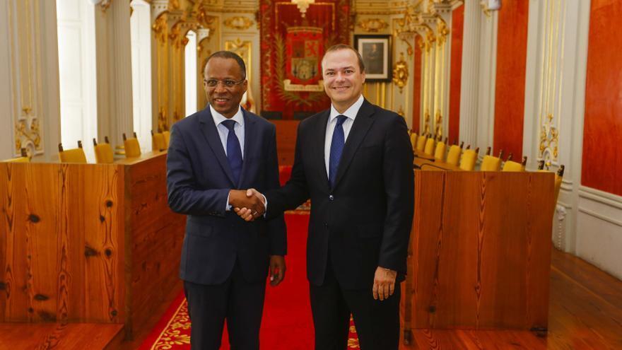 El primer ministro de Cabo Verde y el alcalde de Las Palmas de Gran Canaria