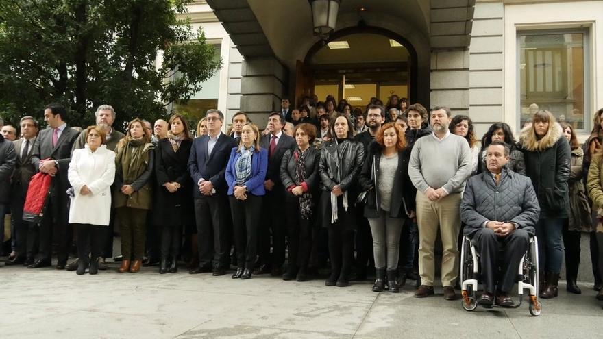 El Congreso guarda un minuto de silencio contra la violencia de género y en memoria de sus víctimas