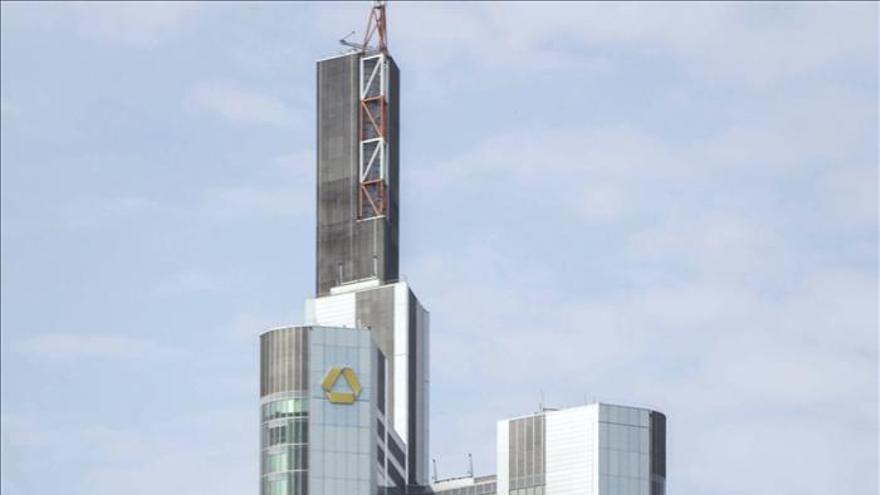 Commerzbank cobrará a las empresas grandes por sus depósitos