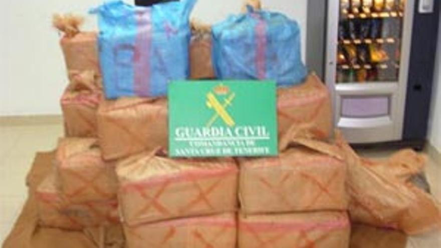 Interceptan una 'narcopatera' con 1.220 kilos de hachís