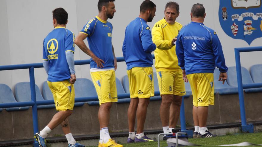 Paco Herrera en un entrenamiento en Barranco Seco. FOTO: udlaspalmas.es