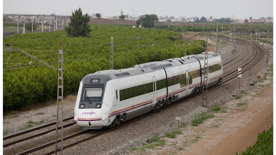 Medio centenar de trenes regionales de Renfe circulan casi vacíos, al 10% de su capacidad