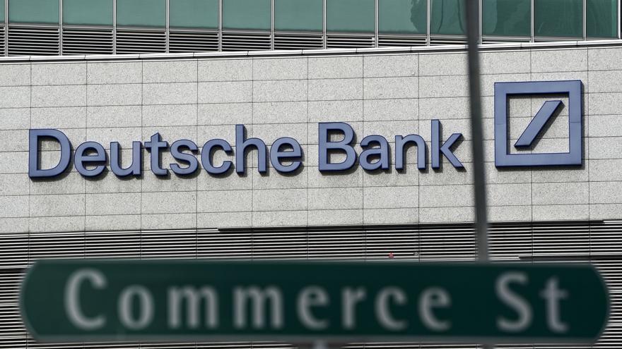 La Fed advierte a Deutsche Bank por controles contra blanqueo, según el WSJ