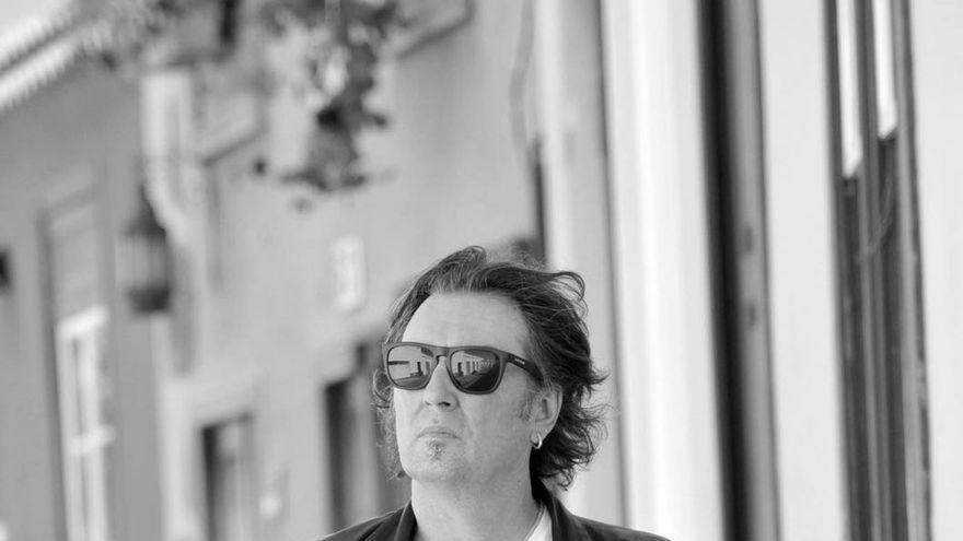 """Carlos Catana tiene """"alma de poeta y corazón de rock and roll. Foto: KAROLINA BAZIDLO."""
