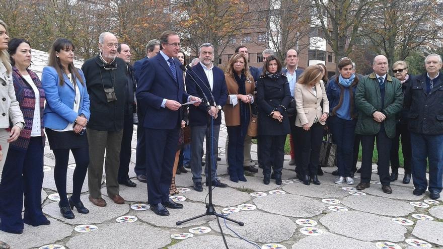 """Alonso (PP) reivindica el """"espíritu original"""" del Día de la Memoria y pide """"no mezclar a víctimas con sus victimarios"""""""