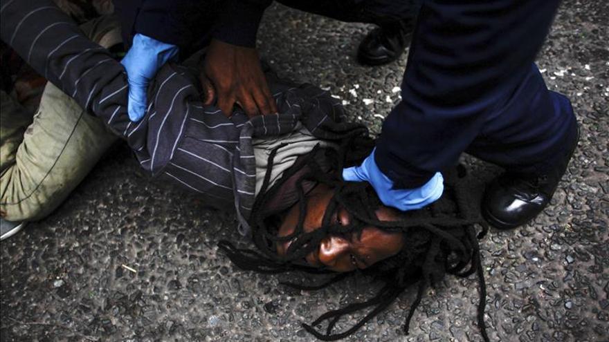 La Policía sudafricana detiene a otros 400 indocumentados en Johannesburgo