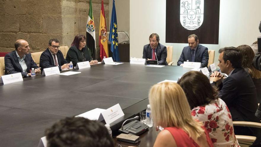 Pacto Ferrrocarril Extremadura Ábalos