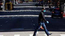 Nueva York obligará a cubrirse nariz y boca en público para limitar los contagios