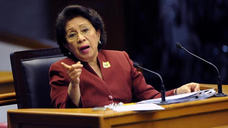 La defensora del pueblo filipina acusa de corrupción al expresidente Aquino