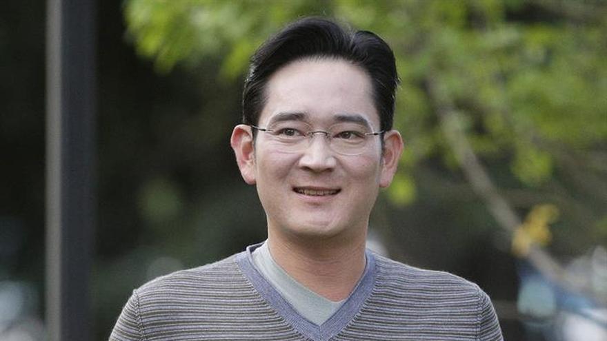 """El jefe de Samsung niega haber recibido favores de la """"Rasputina"""" coreana"""