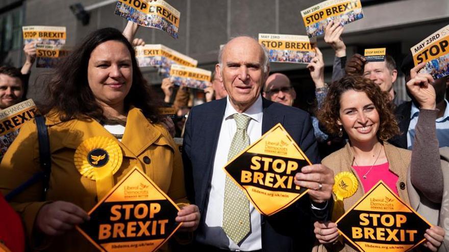 """Los británicos votan mañana a sus 73 eurodiputados a pesar del """"brexit"""""""