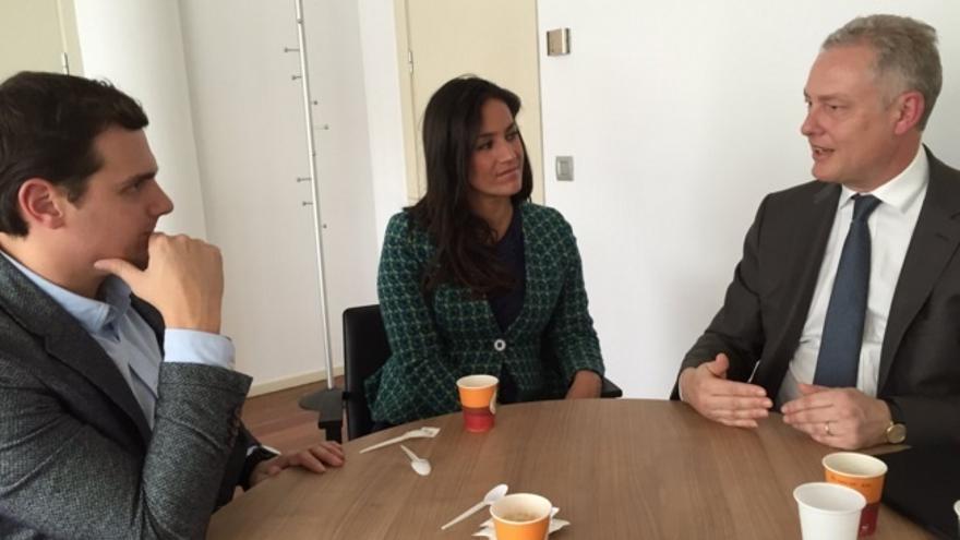 Rivera se reúne con el embajador británico después de criticar duramente el acuerdo de Reino Unido con la UE