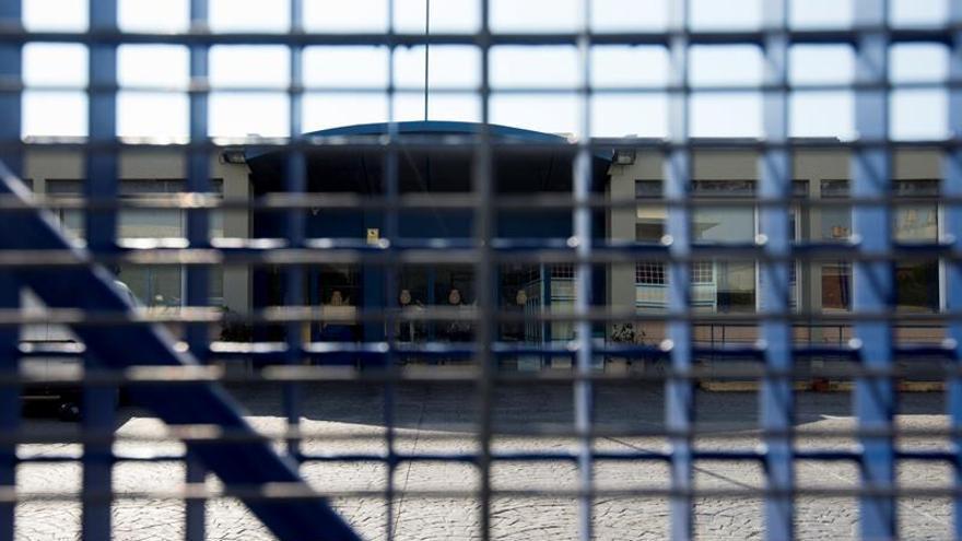 Imagen del CIE de la Zona Franca, que vuelve a funcionar con 70 internos