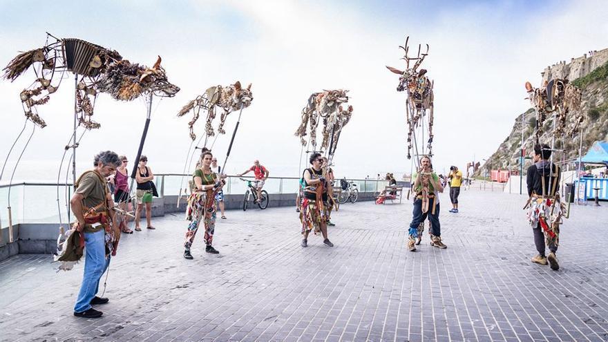 Espectáculo 'Las Bestias Danzan o el sigiloso conjuro de lo salvaje'.