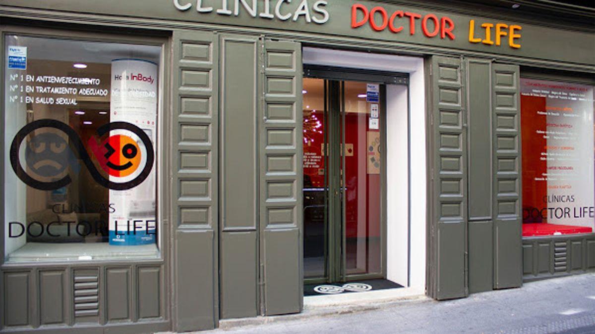 Fachada de la clínica en la calle Infantas | DOCTOR LIFE