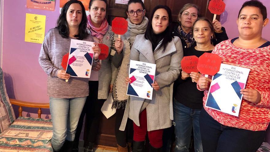 Garafía muestra su rechazo a la violencia de género.