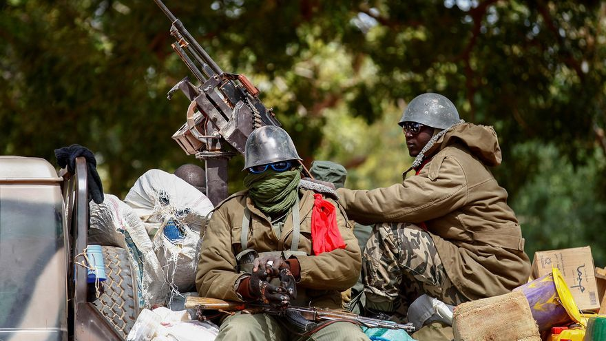 Golpistas en Mali aseguran tener en su poder a presidente y primer ministro
