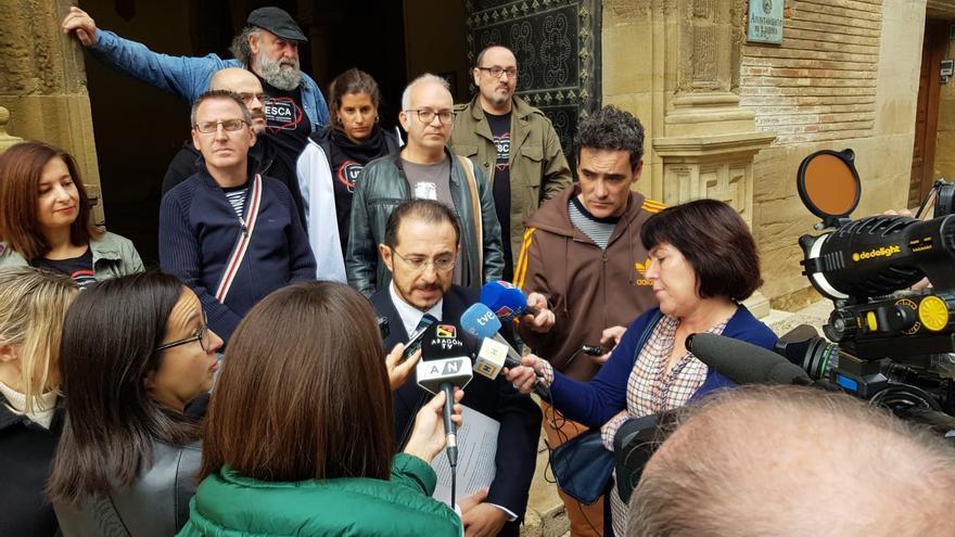 La plataforma ha presentado un recurso contra el acuerdo municipal por el que se retiraron los carteles de bienvenida a una ciudad bilingüe.