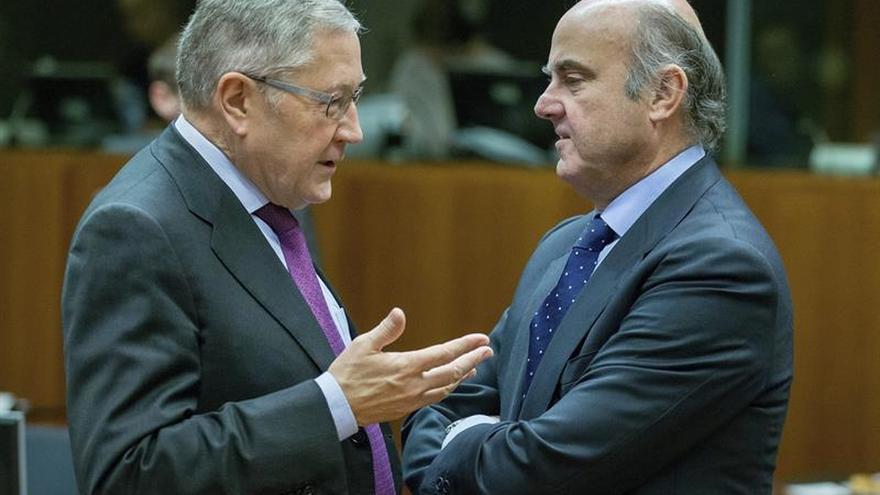 De Guindos dice que las dudas sobre la banca en Europa apenas afectan a España