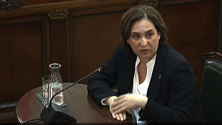 La alcaldesa de Barcelona, Ada Colau, declara en el juicio del procés.