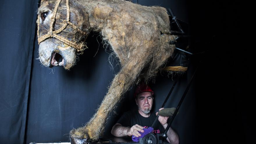 Parte del montaje de los animales antes de la obra. | JOAQUÍN GÓMEZ SASTRE
