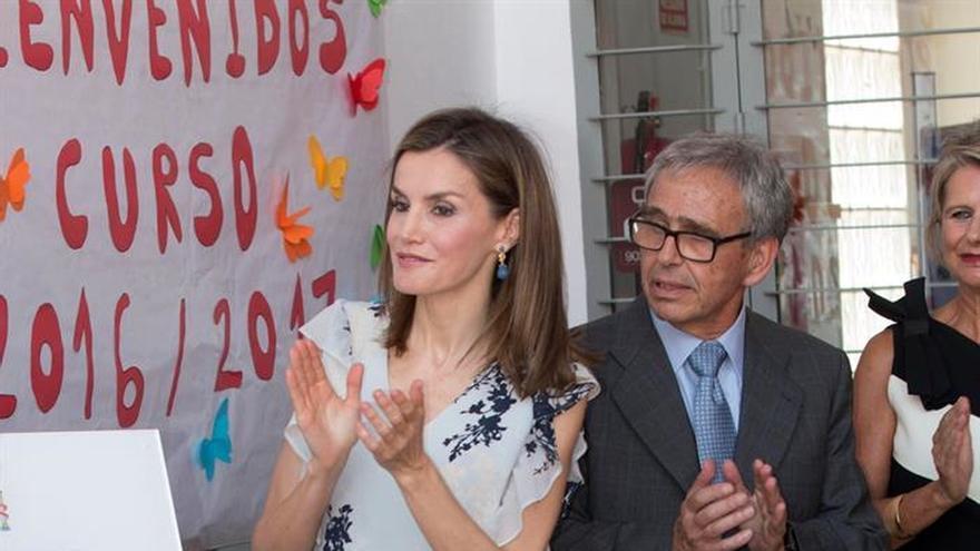 La reina Letizia inaugura el curso escolar en un centro de Almería