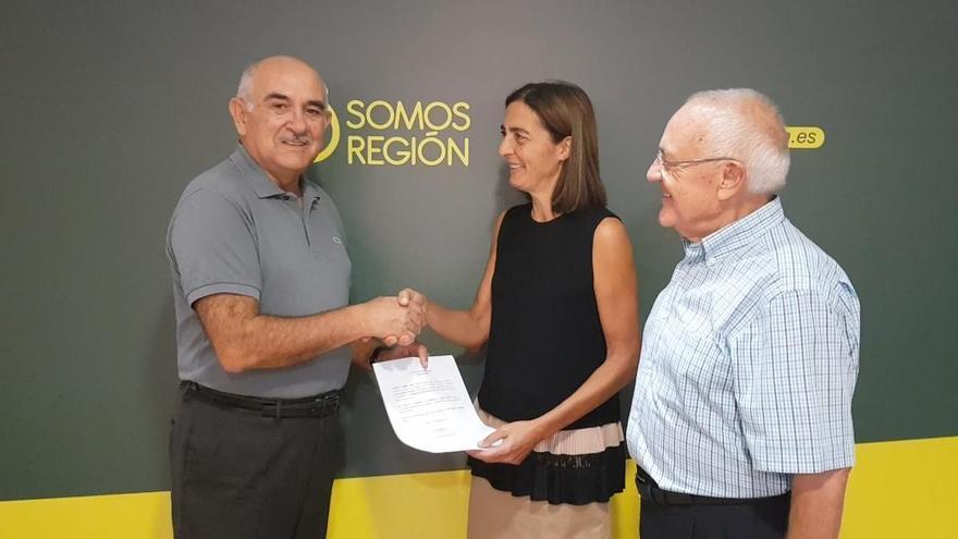 Alberto Garre presentando su candidatura