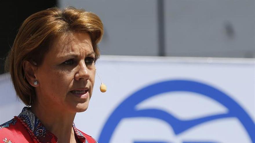 """Cospedal pide el voto para evitar que gobiernen PSOE y Podemos, """"como en CLM"""""""