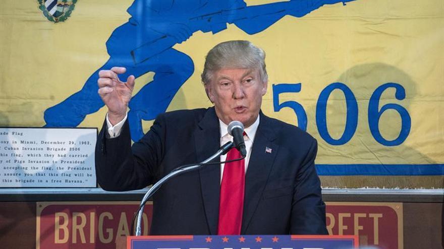 Exiliados cubanos alientan el aviso de Trump de romper el acuerdo con la isla si no hay cambios
