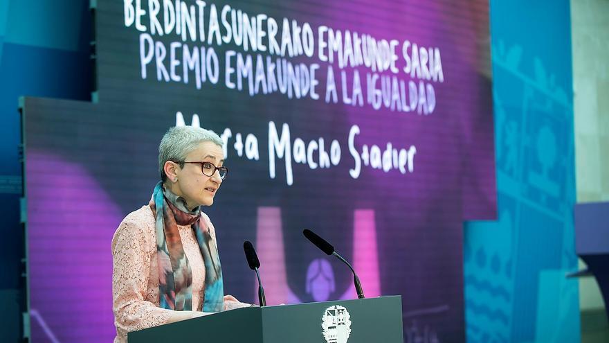 Marta Macho, durante la entrega del premio Emakunde. Foto: UPV