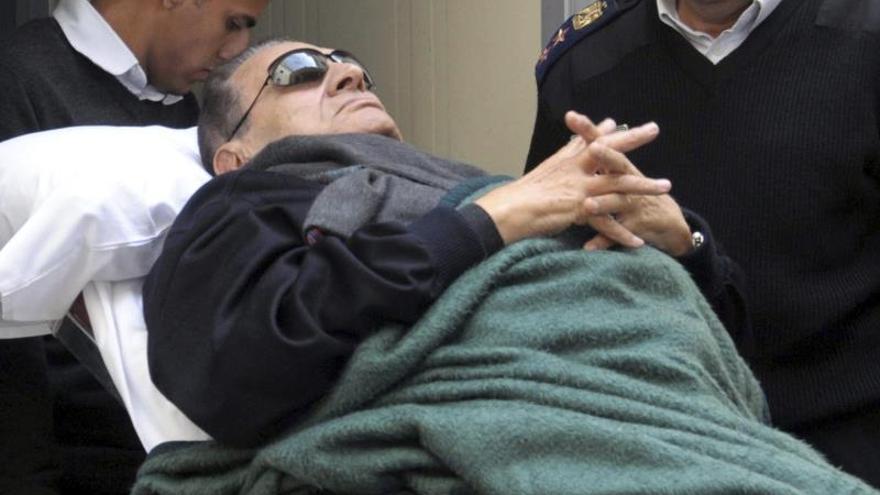 La familia Mubarak, alejada de los focos 5 años después de caer en desgracia