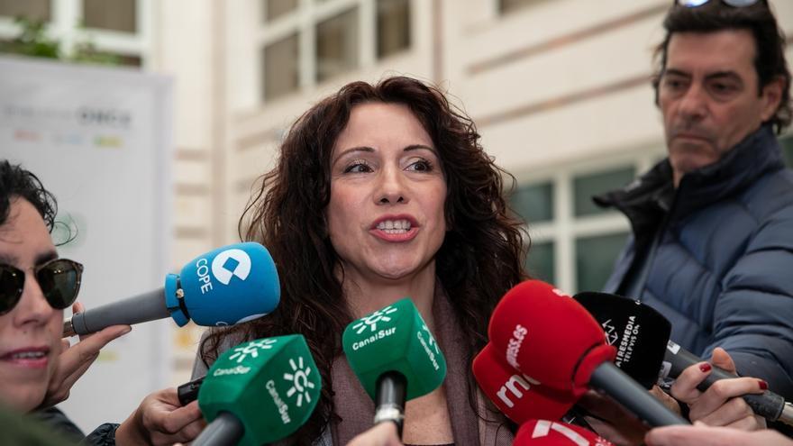"""Rocío Ruiz pide """"altura de miras"""" y asegura que la polémica por su artículo sobre la Semana Santa """"no da para más"""""""