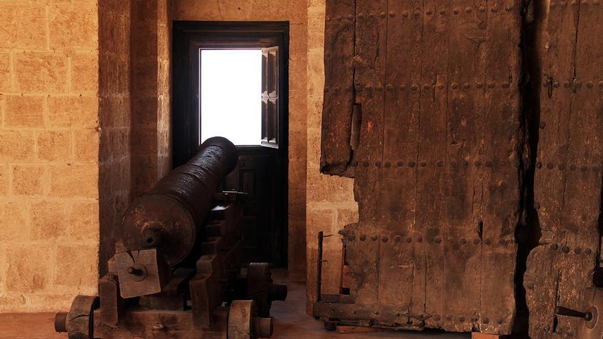 Cañones de la Torre de la Pólvora. / JUAN MIGUEL BAQUERO