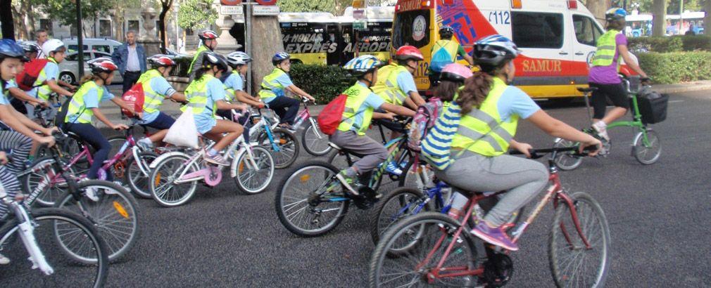 Marcha para pedir más carriles bici