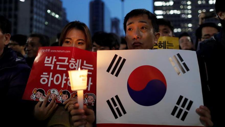 La marcha masiva contra la presidenta surcoreana termina sin altercados importantes