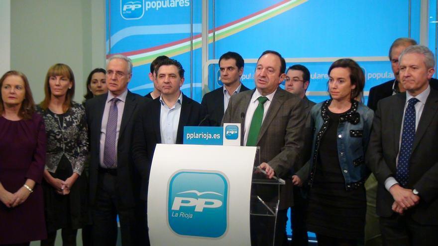 """Sanz defiende el """"compromiso"""" de Aznar con el PP y rechaza """"análisis interesados"""" por su ausencia en la Convención"""