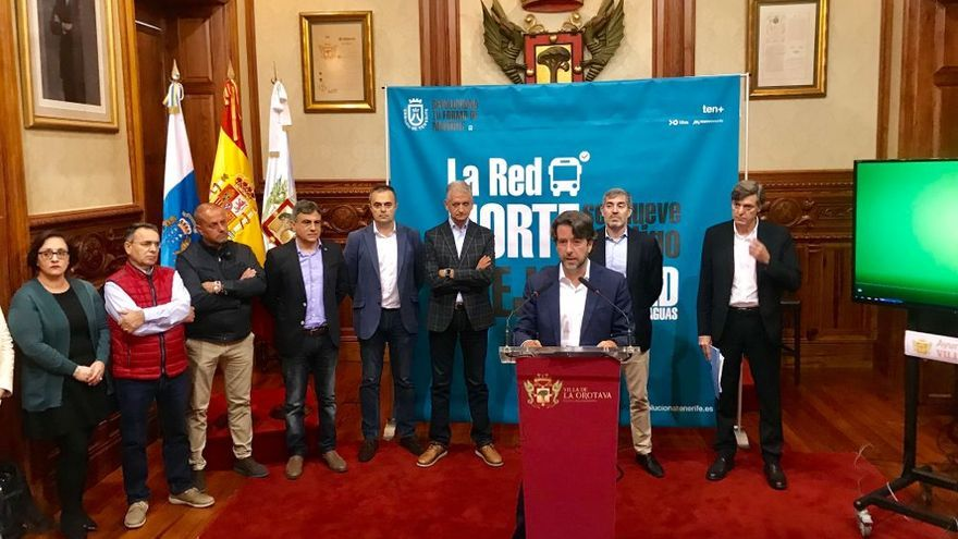 Momento de la presentación de este miércoles, en el Ayuntamiento de La Orotava y con Clavijo presente en la cita con los medios